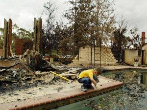 wildfires burns house_5-17-2014 San Diego Cal